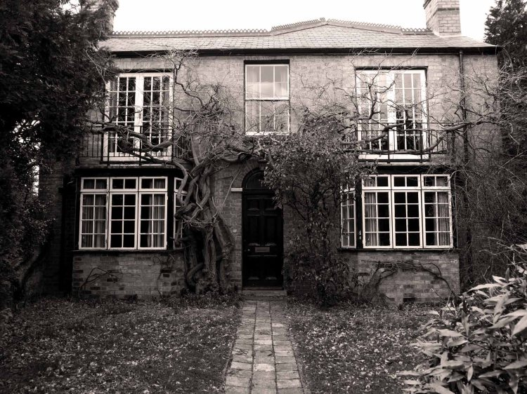 An old manse, on outskirts of Newnham,